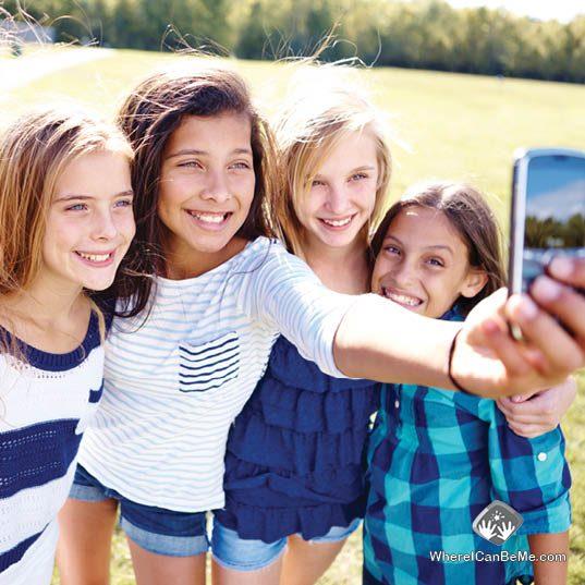 Summer-Camp-Friends